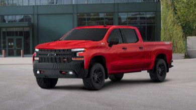 Photo of Full-Scale Chevrolet Silverado Built By Lego Blocks